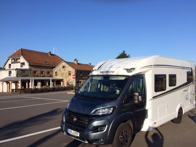 Weinsberg Caraloft 700 MEH